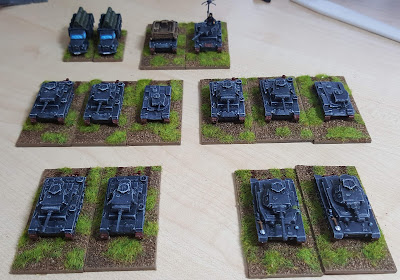 Early war Panzer Division with Panzer IIs, Panzer IIIs, Panzer IVs and a supply and repair company picture 1