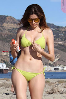 Blanca+Blanco+in+Tiny+Yellow+Bikini+in+Malibu+Ass+Crack+Cleavages+Boobs+Cleavages+Exposed+%7E+SexyCelebs.in+Exclusive+001.jpg