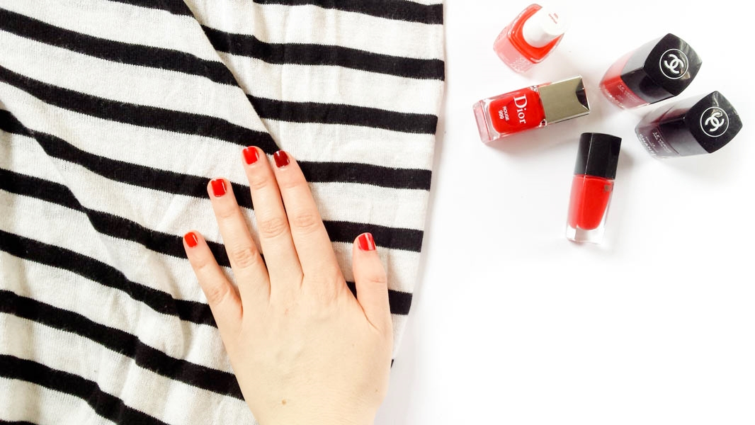 Paris Series: Choosing a red nail polish   feelbella