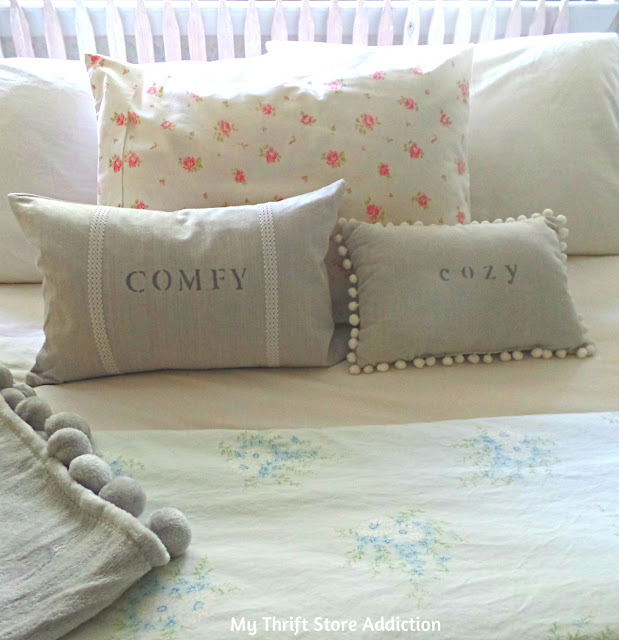 How to upcycle a pillow with a Sharpie