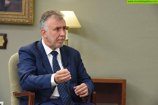 """Torres reitera su defensa de las aguas canarias y subraya que si Marruecos toca """"un solo milímetro"""" tendrá enfrente a los gobiernos central y autonómico"""