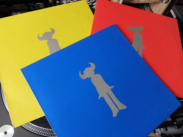 赤青黄のジャミロクワイのレコード・ジャケットの写真です。