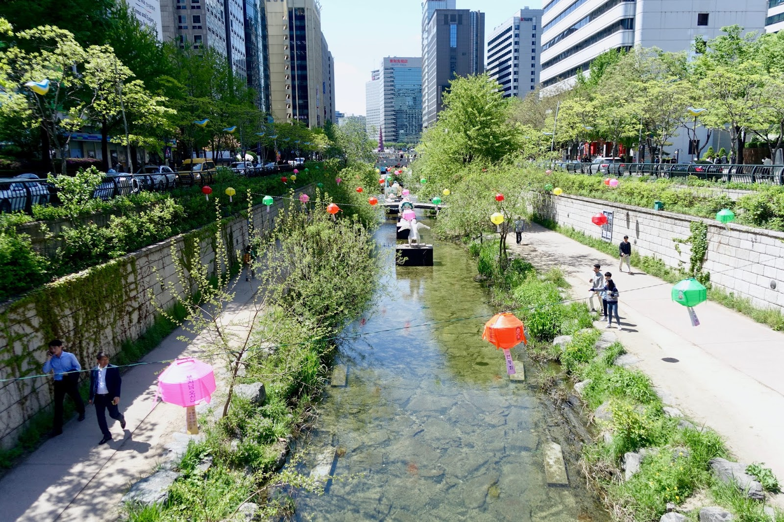 CHEONGGYECHEON STREAM SEOUL