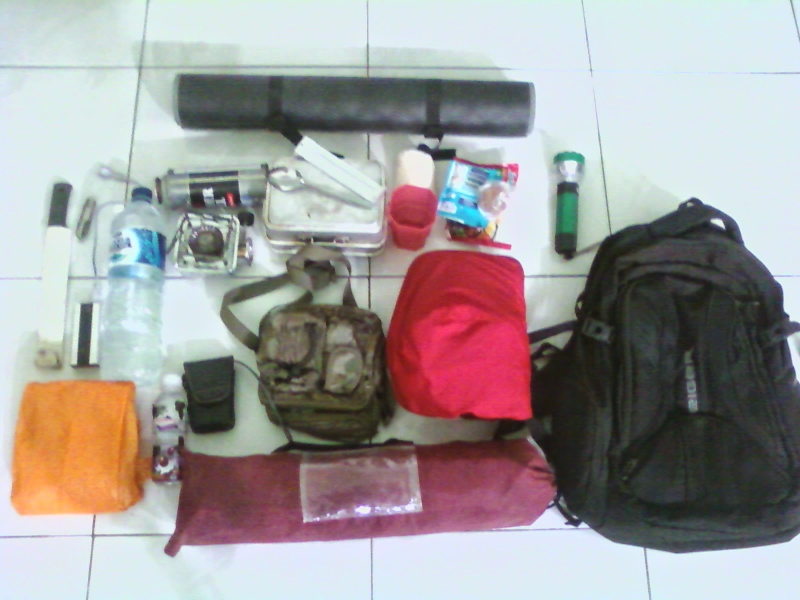Catatan Perjalanan Outdoor Travelling Ultralight Hiking Versi Gue