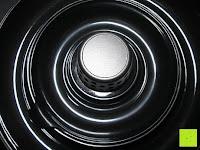 oben: Nussknacker Set Cheops Nussknacker mit 3 Schalen Kunststoff 19x8,5x7cm