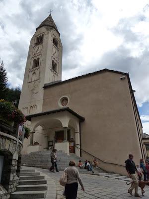 クールマイユール Courmayeur 教会