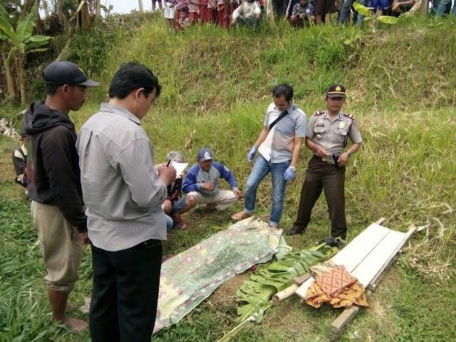 Sesosok Mayat di Temukan Tersungkur di Area Pesawahan Desa Ragawacana