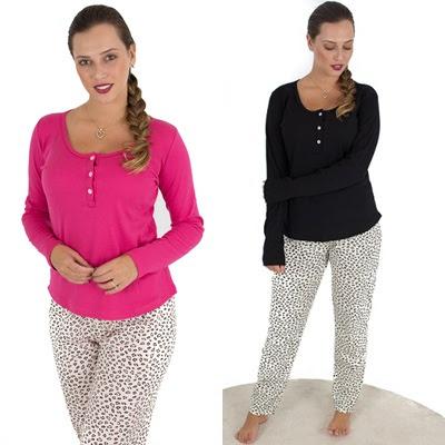 a603da6df Pijama feminino elegante e confortável ideal para dormir em noites de  inverno. Com gola redonda e botoes na frente
