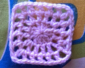 crochet-coaster-design-crosia-design-pattern-free-tutorial-picture-step-by-step-handmade