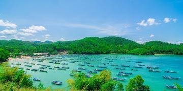Menghilangkan Stres dengan Berwisata ke Pantai Tawang Pacitan