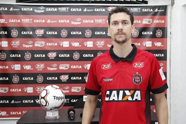 Zagueiro Gustavo Bastos é anunciado no Brasil de Pelotas