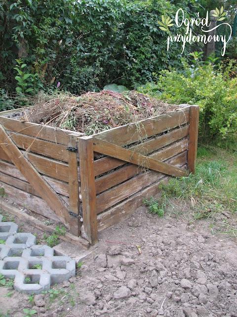 kompostownik, kompost, ogród przydomowy