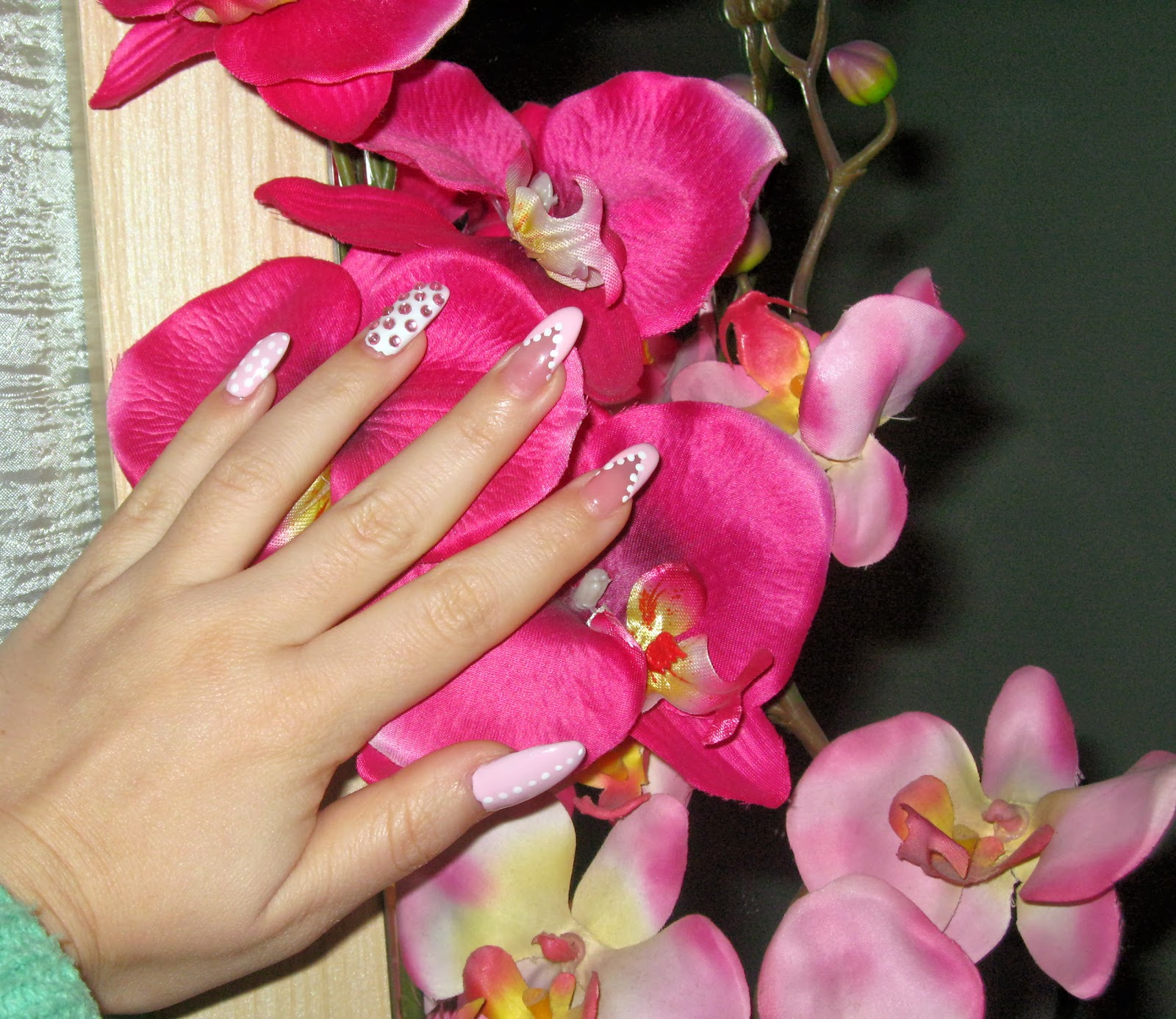 pale pink stiletto nails