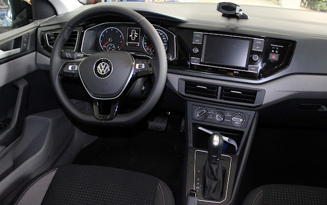 VW Polo Comfortline - painel do virtus