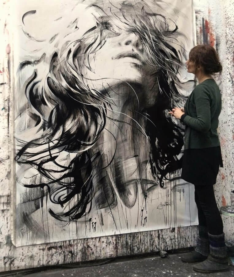 07-Large-Format-Oil-Paintings-and-Charcoal-Drawings-www-designstack-co