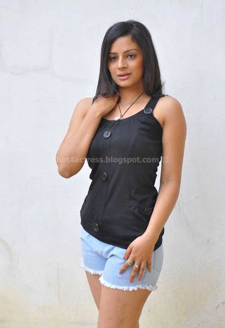 Anuhya reddy hot thighs images