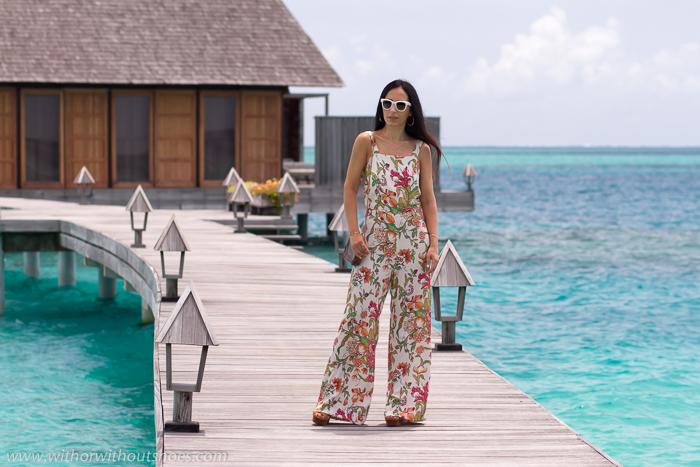 Influencer instagramer blogger española de vacaciones viaje a Maldivas