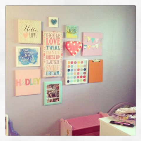 I think it's such a fun, cheery room!!