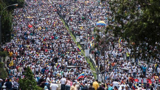 """""""Casi el 90 % no está de acuerdo con la Constituyente Comunal de Maduro"""": Rubén Chirinos, presidente de Meganálisis"""""""
