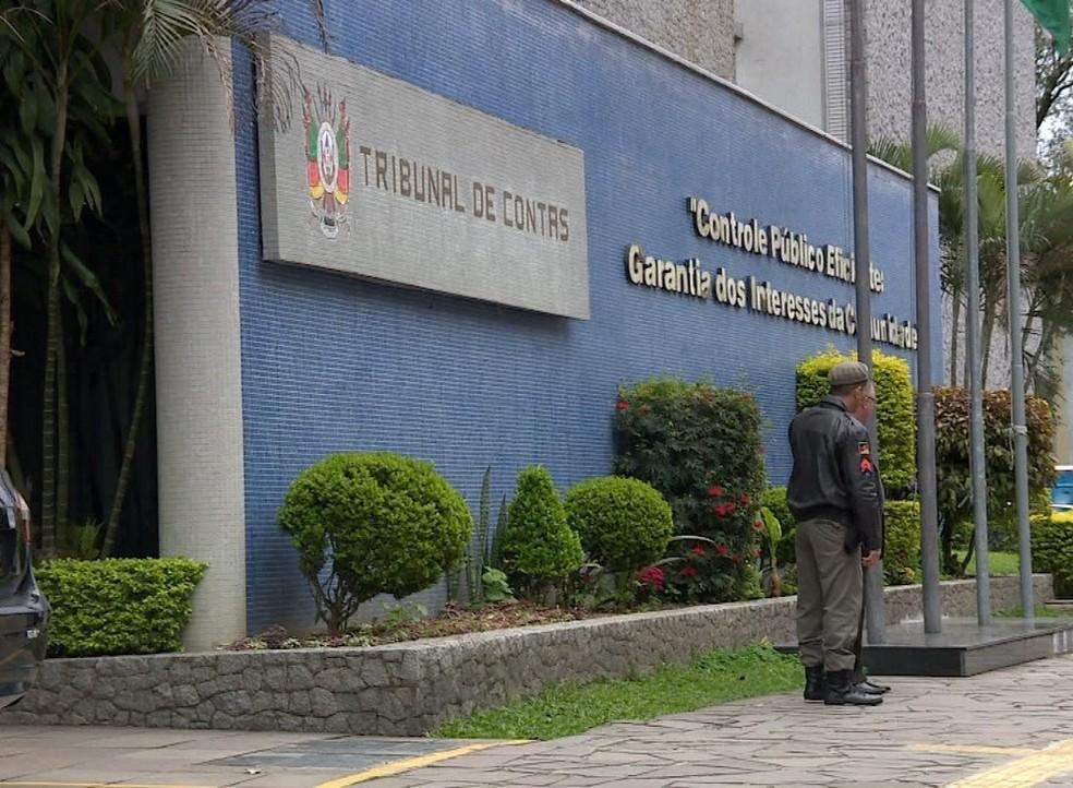 Situação foi constatada após cruzamento de dados feito pelo TCE do Rio Grande do Sul (Foto: Reprodução/RBS TV)