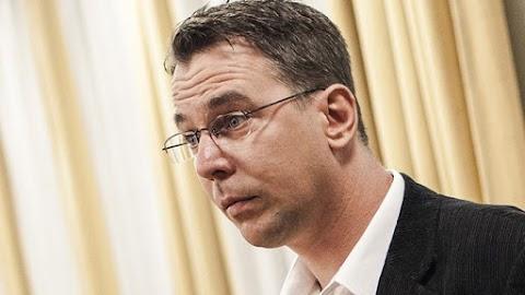 Mirkóczki prostituáltakat csinál a Jobbikosokból, Gyurcsányékat kell berántani a parlamentbe
