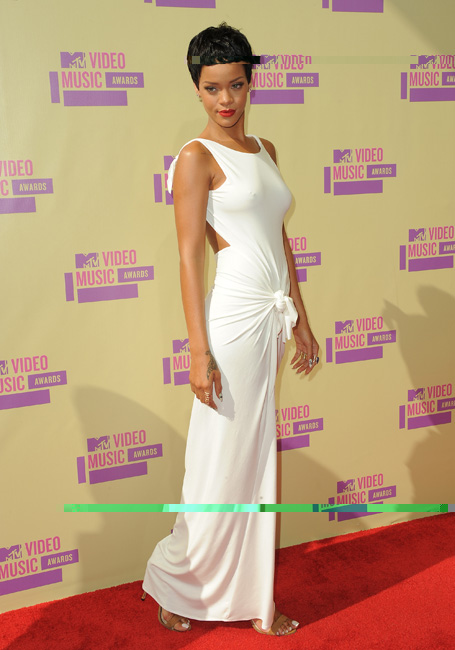 Fashion Hairstyles: New Rihanna makeover and short haircut ...