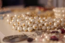 Tips Dasar Menjual Perhiasan di Pegadaian
