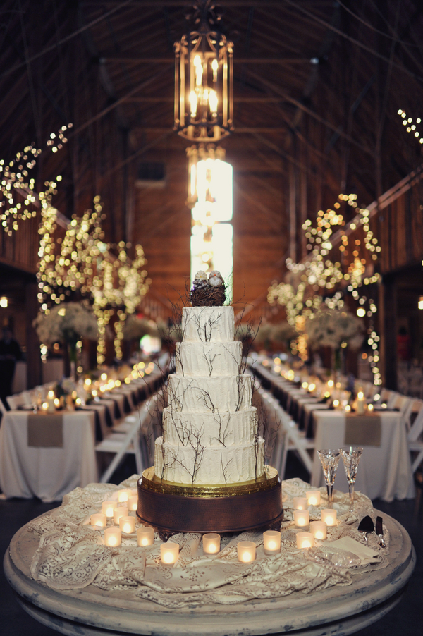 barn+wedding+rustic+horse+cowboy+cowgirl+babys+breath+centerpieces+bouquets+floral+arrangement+blue+baby+powder+burlap+woodland+organic+brown+barnhouse+groom+bridal+lace+bride+something+blue+Melissa+McCrotty+Photography+16 - Baby's Breath in the Barn