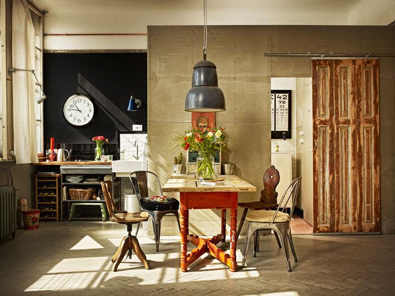 cocina y comedor en un mini loft vintage- industrial