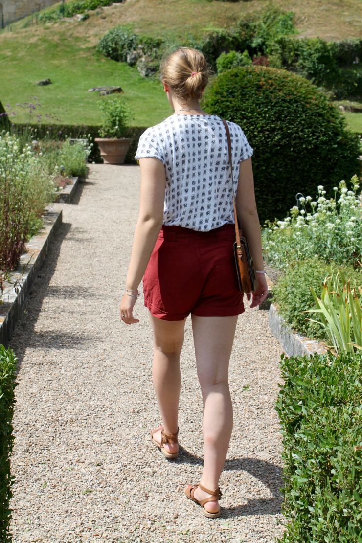 Summer outfit at Château de Langeais, France