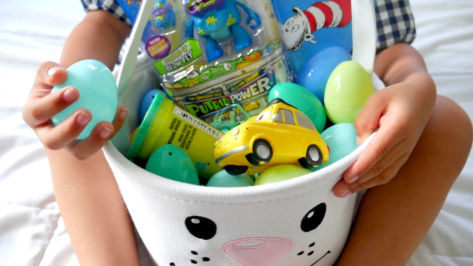 A r l e e n e me n d o z a easter basket ideas all ages with easter right around the corner i wanted to bring you some easter basket ideas for kids of all ages we all know that a traditional basket is usually negle Images