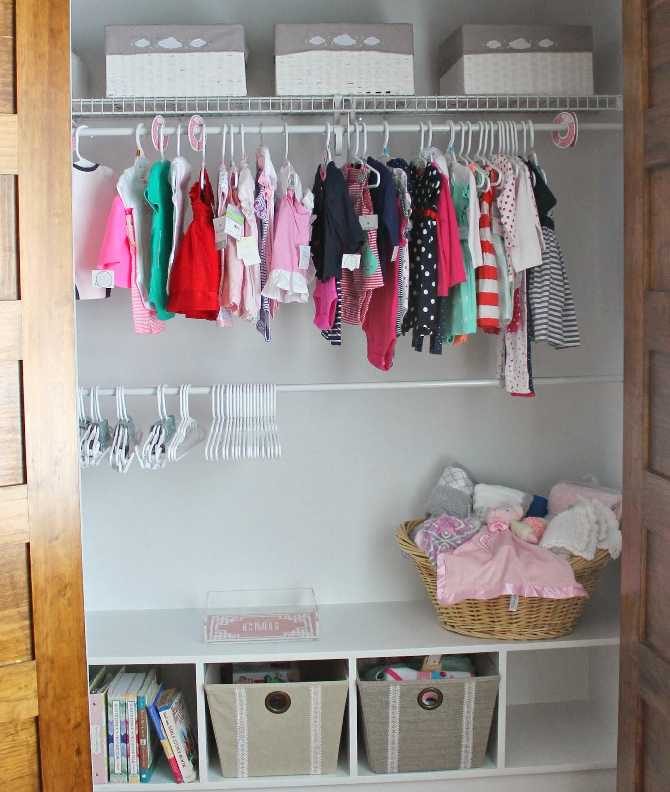 Nursery update mini closet makeover carolina charm for Modelos de closets para dormitorios