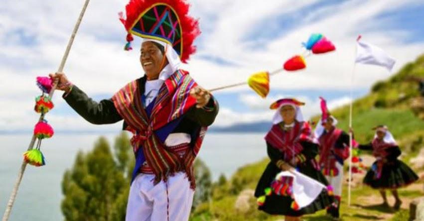 Perú tiene 48 idiomas nativos y 55 pueblos indígenas