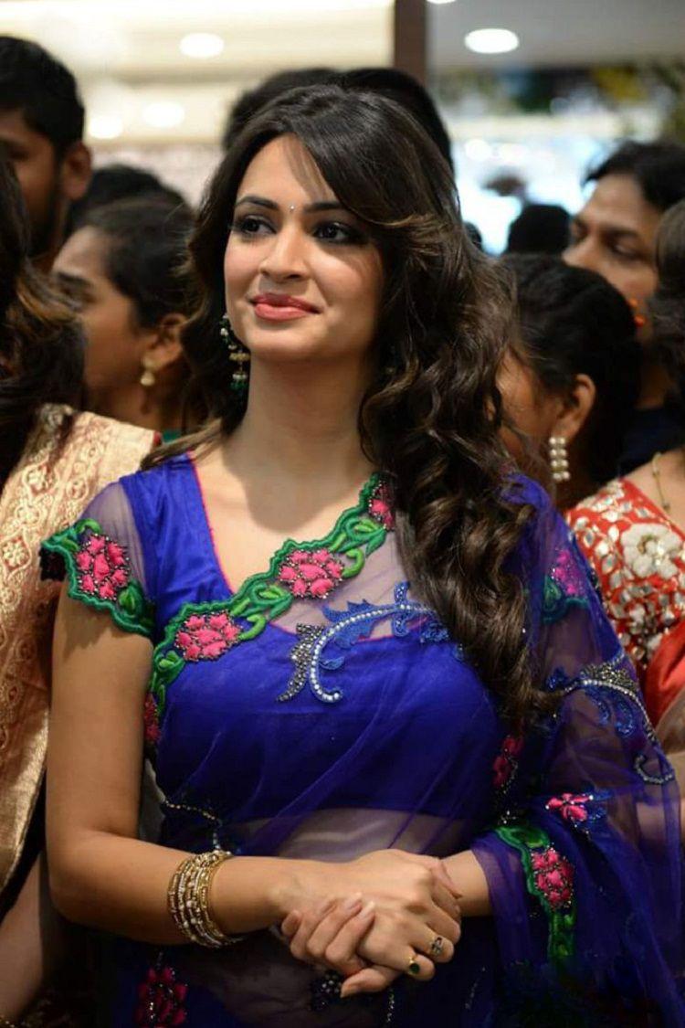Beautiful bangalore girl in pink panty - 3 part 7