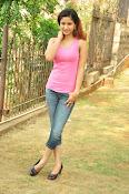 Aarthi glamorous photo gallery-thumbnail-3