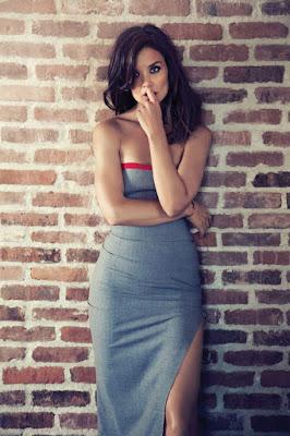 paha mulus Katie Holmes seksi dan mani super hot  Katie Holmes