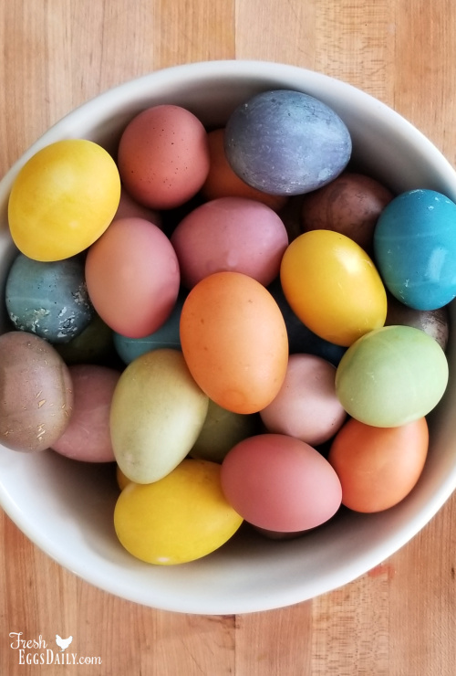 The 6 Best Veggies to Use for Natural Easter Egg Dyes | Fresh Eggs ...