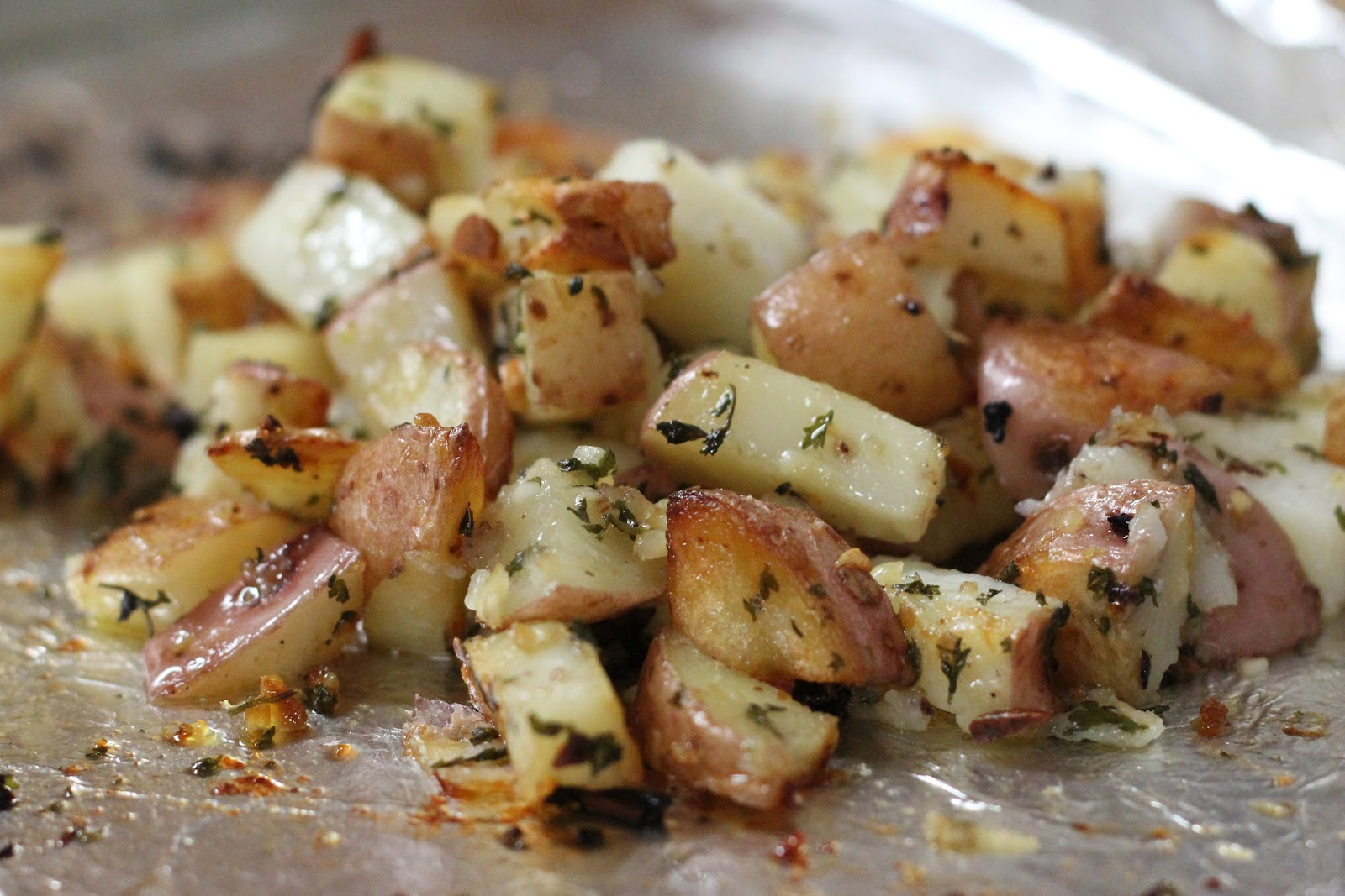 Baked Garlic And Parsley Potatoes