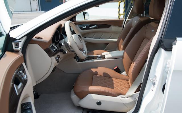 Ghế người lái và hành khách phía trước Mercedes CLS 500 4MATIC được thiết kế thể thao, mạnh mẽ.