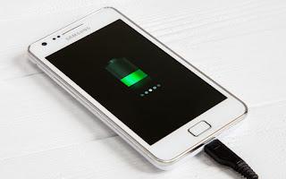 Cara Terbaik Ngecas HP Android Agar Baterai Tidak Cepat Rusak