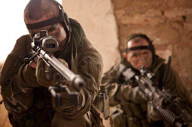 Francotirador mata a cuatro terroristas del EI con una bala