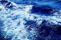 https://pixabay.com/de/wellen-meer-wasser-blau-brandung-1215449/