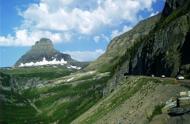Túnel Going to the Sun Road - Glacier National Park