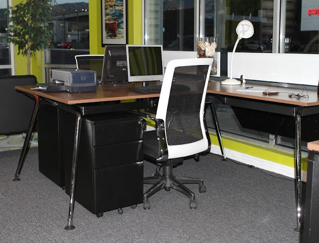 buying cheap used office furniture Milwaukee for sale