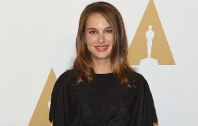 Natalie Portman faz primeira aparição pública