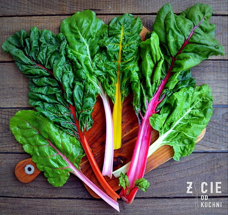 burak lisciowy, bocwina, sezonowa kuchnia, sezonowo czerwiec, salatka wiosenna, salatka z bocwina, zycie od kuchni salatka ze szparagami