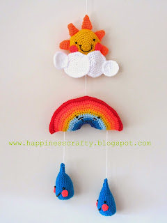 http://happinesscrafty.blogspot.gr/2014/04/crochet-baby-mobile-free-pattern.html