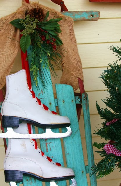 Holiday Decorating Skates Amp Sleds Driven By Decor