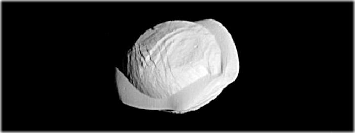 Pan, satélite natural de Saturno