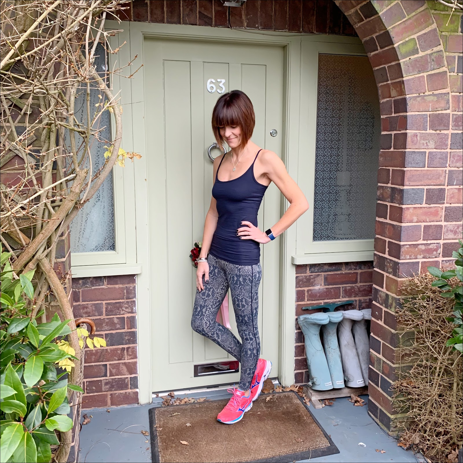 my midlife fashion, asquith london, asquith pure cami, asquith flow with it leggings in snake, mizuno wave rider trainers